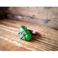 Wired -sormus  smaragdin vihreällä merilasilla