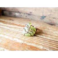 Wired -sormus oliivinvihreällä merilasilla